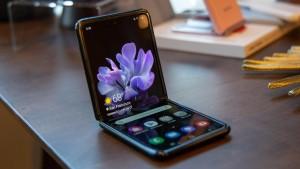 Samsung Galaxy Z Flip получает обновление One UI 3.0 на базе Android 11
