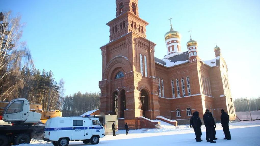 Сторонники отца Сергия заявили о новой попытке захвата Среднеуральского монастыря