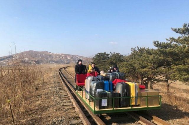 Дипломат рассказал подробности отъезда из Северной Кореи на дрезине