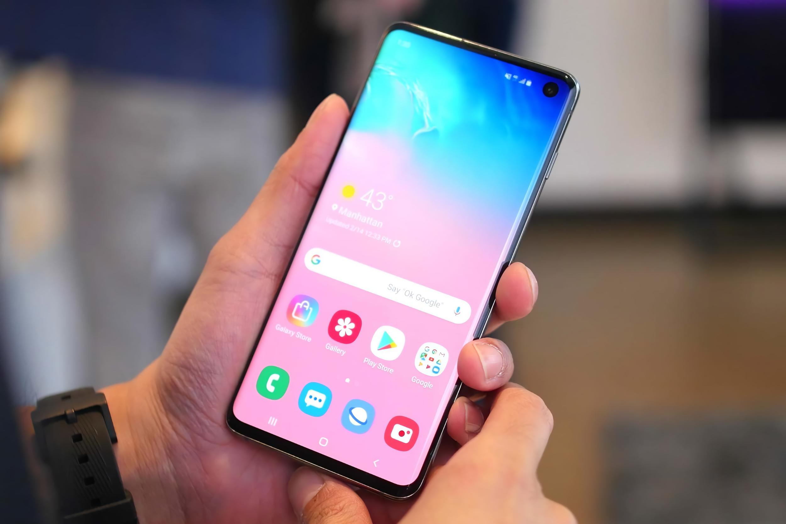Samsung без объяснений возобновила обновление Android 11 с One UI 3.0 для смартфонов Galaxy S10