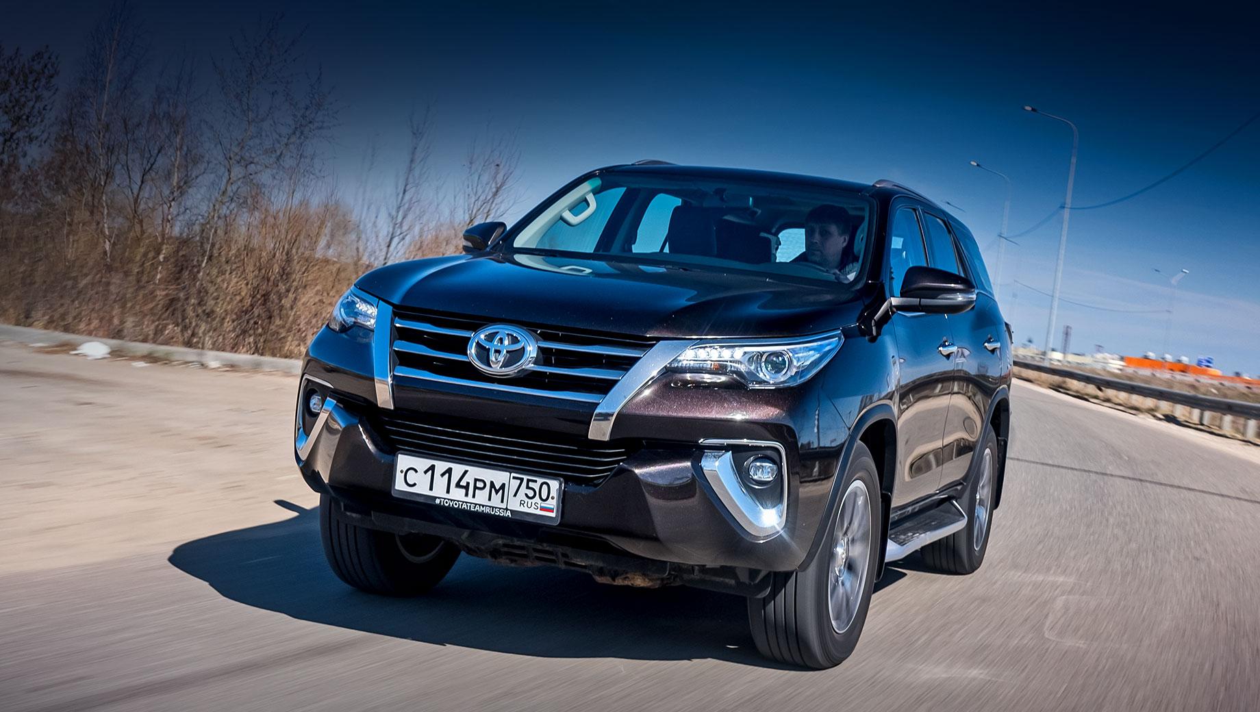 Toyota Fortuner и Hilux вызваны на замену усилителя тормозов