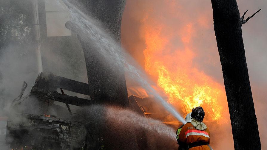 Три ребенка стали жертвами пожара в доме в Великом Новгороде